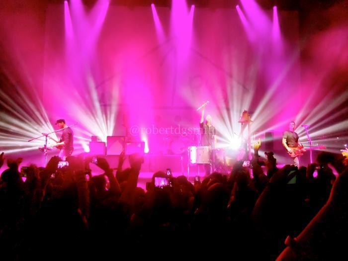 ColdplayUnder1RoofApolloLondon2013VivaLaVida