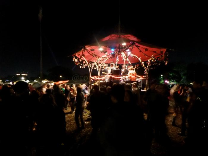DancingBandstandGlastonbury2014