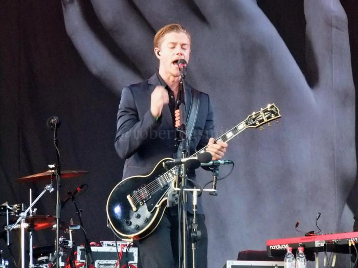InterpolGlastonbury2014PaulBanks